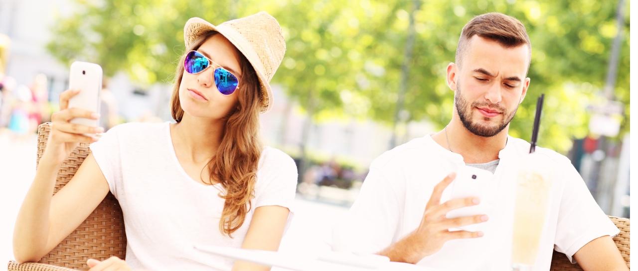 dating ariane rebecca strip